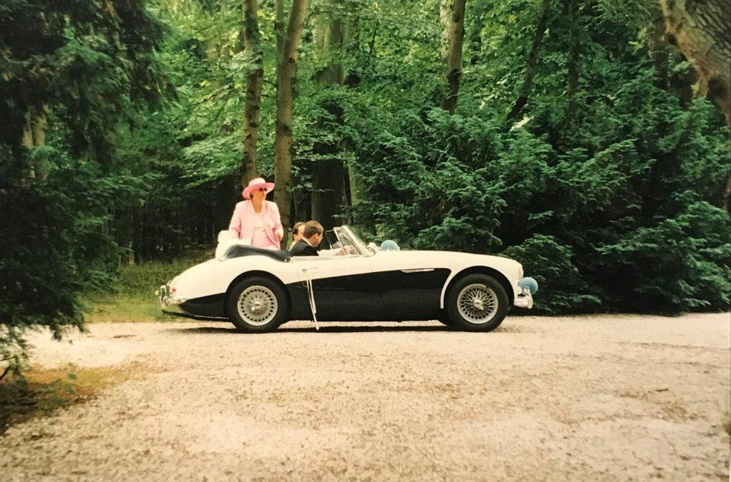 A: Healey 1964 /  BJ8